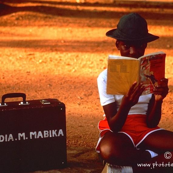 www.phototeam-nature.com-antognelli-zimbabwe-ecolier