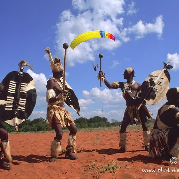 www.phototeam-nature.com-antognelli-zimbabwe-parapente-tribu