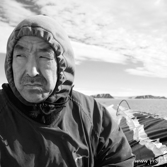 www.phototeam-nature.com-antognelli-groenland-greenland-chasse-hunting-kayak