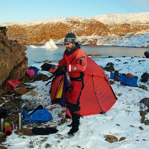www.phototeam-nature.com-antognelli-greenland-kayak-expedition-nuussuaq-kokatat-sea kayaking UK- northern light paddle-tent-hillberg