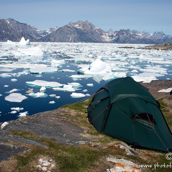 www.phototeam-nature.com-antognelli-greenland-kayak-expedition-semiligaag-tent-hilleberg