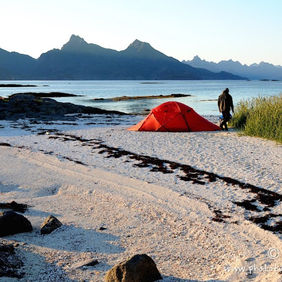 www.phototeam-nature.com-antognelli-norvege-lofoten-kayak-expedition-hilleberg