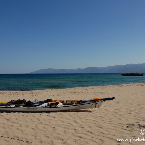 www.phototeam-nature.com-antognelli-sardaigne-italie-expediton-kayak-pacifaction-voile