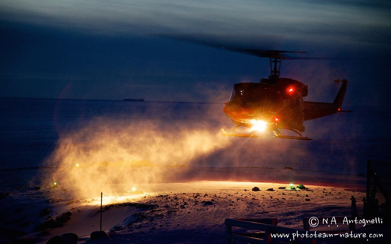 www.phototeam-nature.com-antognelli-greenland-savissivik-helicopter