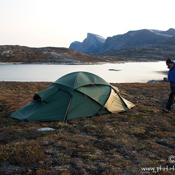 www.phototeam-nature.com-antognelli-greenland-kayak-expedition-tent-hilleberg