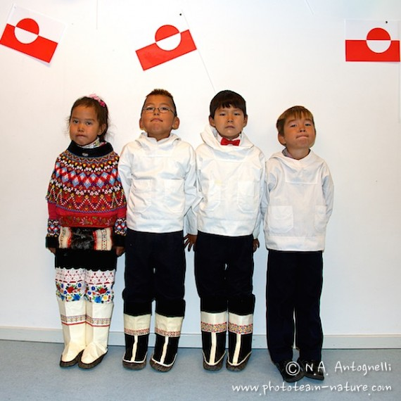 www.phototeam-nature.com-antognelli-greenland-nuussuaq-first day school