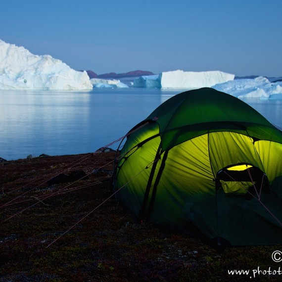 www.phototeam-nature.com-antognelli-greenland-kayak-expedition-tent-hilleberg-iceberg