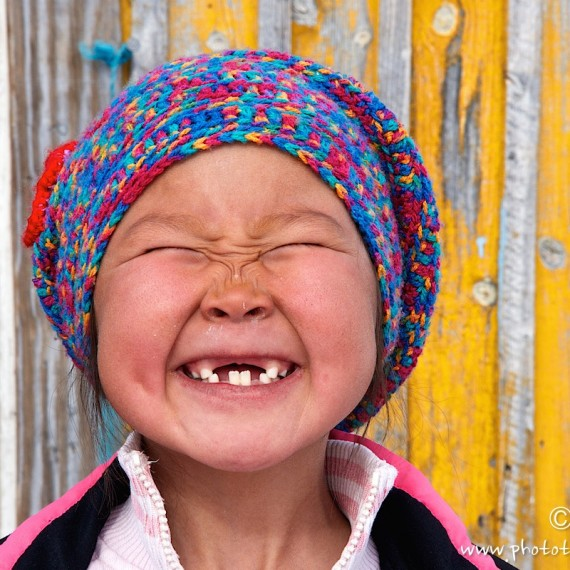 Ivaka, enfant, sourire, nuussuaq, greenland-www.phototeam-nature.com-antognelli