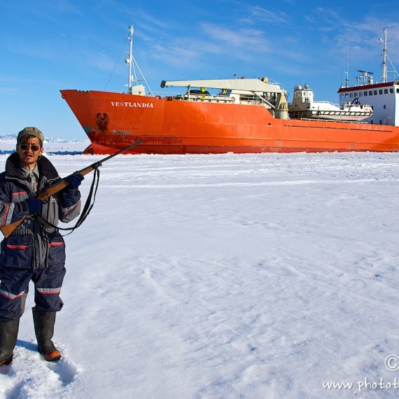www.phototeam-nature.com-antognelli-greenland-nuussuaq-ship