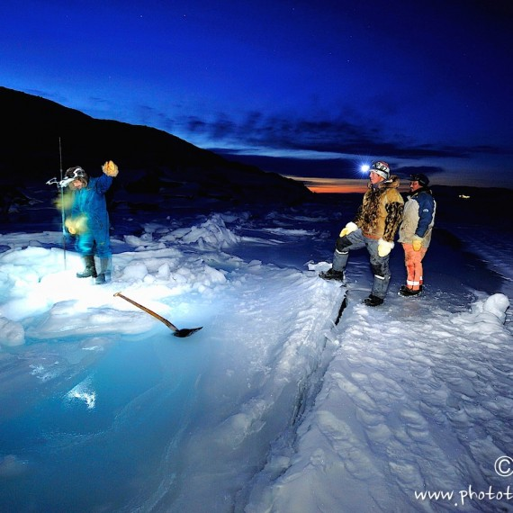 www.phototeam-nature.com-antognelli-greenland-nuussuaq-hunter-polar night