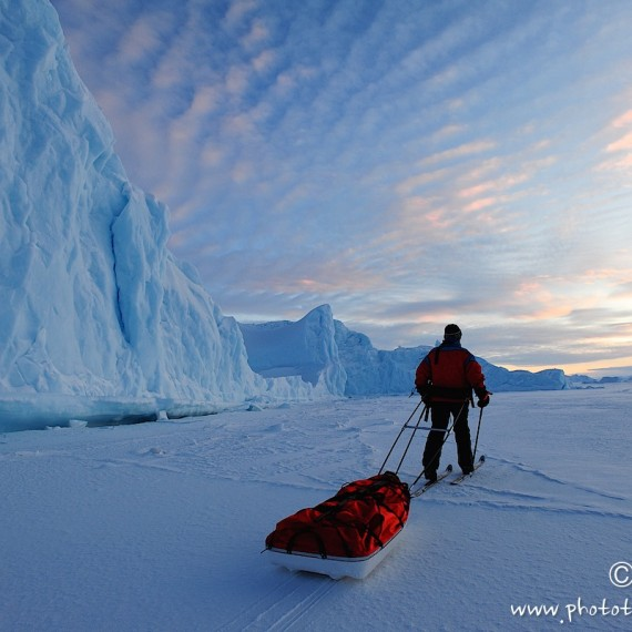 www.phototeam-nature.com-antognelli-greenland-nuussuaq-pulka-ski