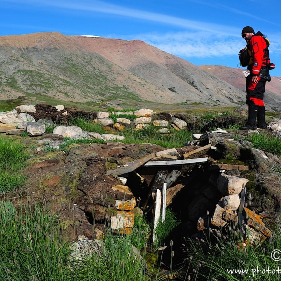 www.phototeam-nature.com-greenland-expedition-kayak-antognelli-hat