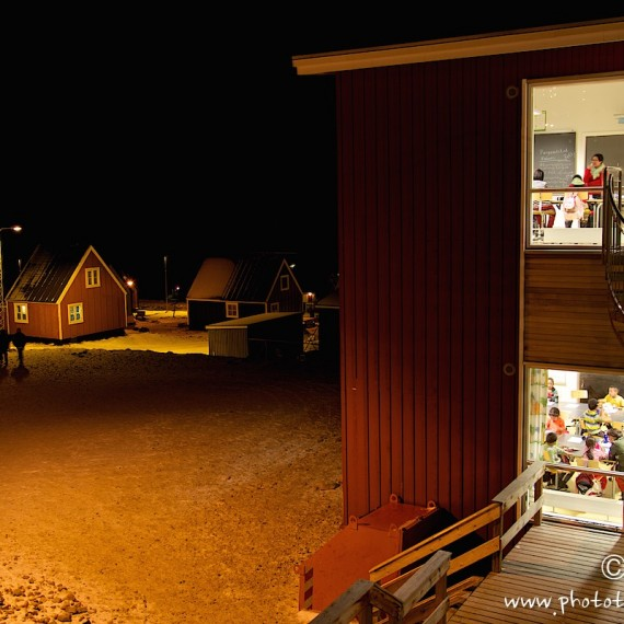 antognelli-www.phototeam-nature.com-greenland-qaanaaq-polar night-school
